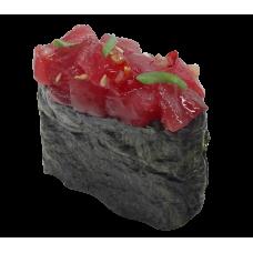 Фирменные суши с тунцом по-тайски